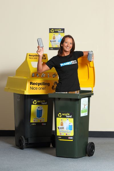 Layne Beachley recycling!